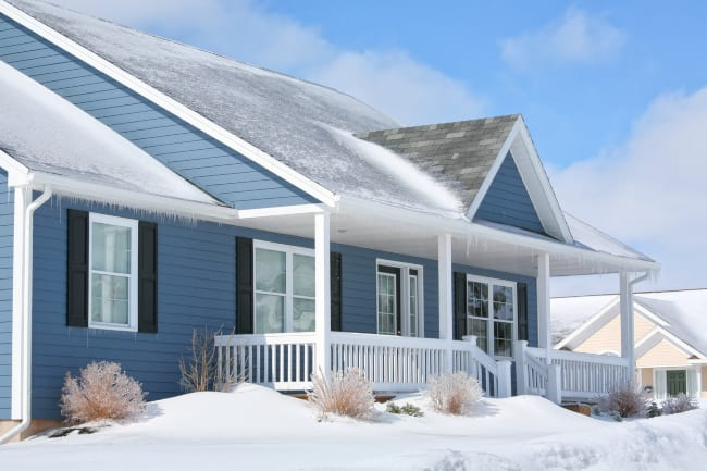 Residential Roofing Tips for Winter